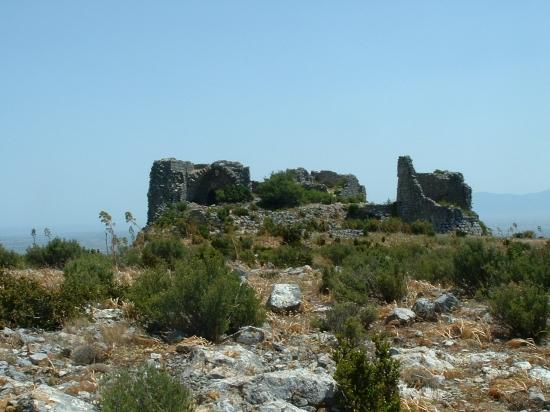 les ruines du chateau d'Opoul
